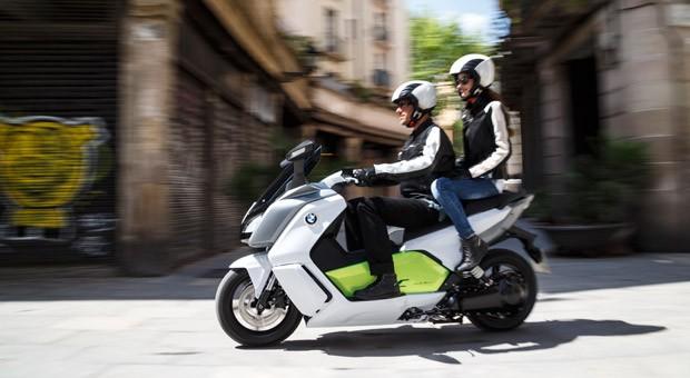 Roller mit Elektrobetrieb: der BMW C evolution.