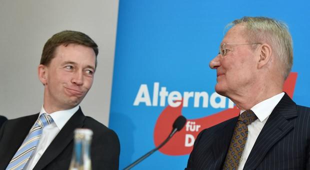 AfD-Gründer Bernd Lucke und Spitzenkandidat Olaf Henkel.