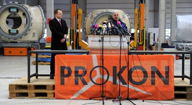 Prokon-Gründer Carsten Rodbertus (re.) und Insolvenzverwalter Dietmar Penzlin auf einer Pressekonferenz einen Tag nach dem Insolvenzantrag.