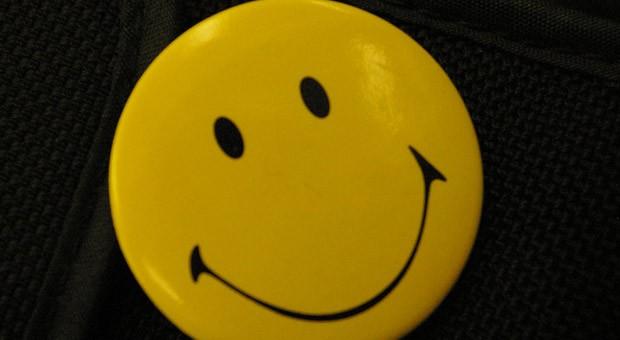 Arbeitgeber dürfen Arbeitszeugnisse laut einem Urteil des Arbeitsgerichts Kiel nicht mit negativen Smileys versehen.