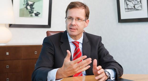 """Markus Beumer, 49, ist Vorstand der Commerzbank und leitet die """"Mittelstandsbank"""" innerhalb von Deutschlands zweitgrößtem Kreditinstitut"""
