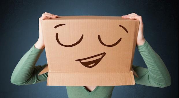 Schwierige Kiste: Das neue Onlinehandelsrecht soll sowohl Händler als auch Verbraucher glücklicher machen.