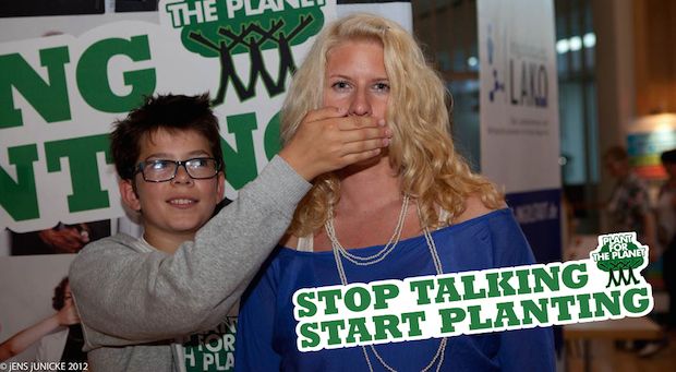 Stop Talking - Start Plating! Felix und ich auf einem Foto für Plant for the Planet