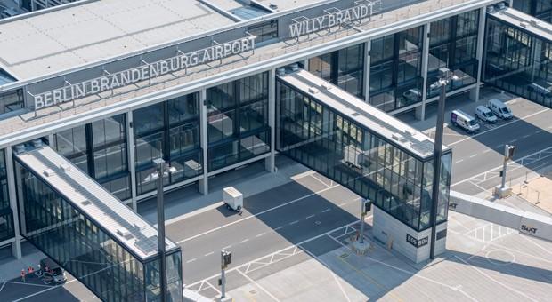 Die Fassade des Flughafens Berlin-Brandenburg.