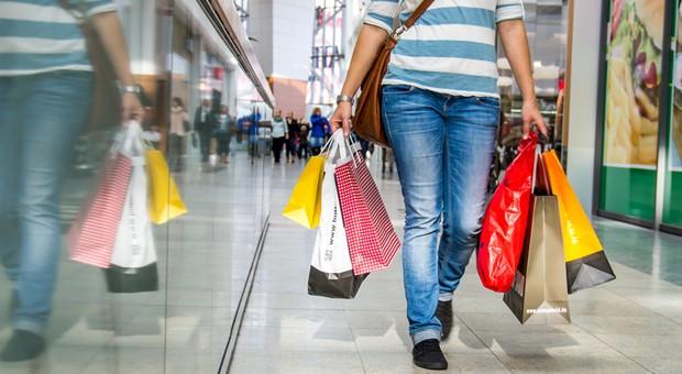 Dank niedriger Inflation sind die Deutschen in Kauflaune.
