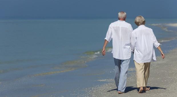 Lieber spazieren gehen als weiter zu schuften. 255 000 Menschen haben bisher die Rente ab 63 beantragt.