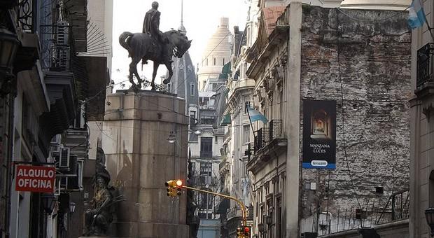 EIne Straße in der Argentinischen Hauptstadt Buenos Aires