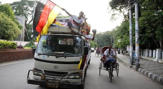 Deutschlandfieber auf den Straßen von Bangladesch