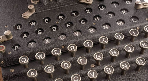 Manchmal bräuchte man im Büro eine Dechiffriermaschine. (Im Bild: eine Dechiffriermaschine aus dem Zweiten Weltkrieg, ausgestellt im Spionagemuseum in Langley, USA. Mit ihr wurden schwer knackbare Codes übermittel.)
