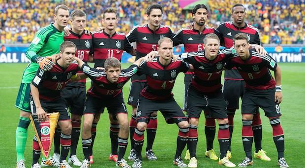 Die deutschen Nationalspieler vor dem Halbfinalspiel gegen Brasilien