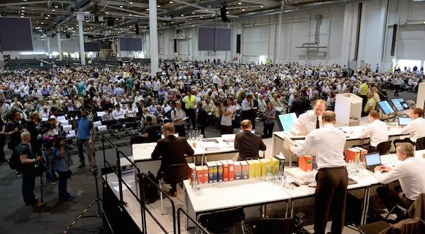 Prokon-Gläubigerversammlung in Hamburg: Insolvenzverwalter Dietmar Penzlin will einen Teil des Geldes der Anleger retten.
