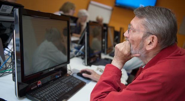Der Senioren Computer Club macht Ältere fit für Technik und Internet.