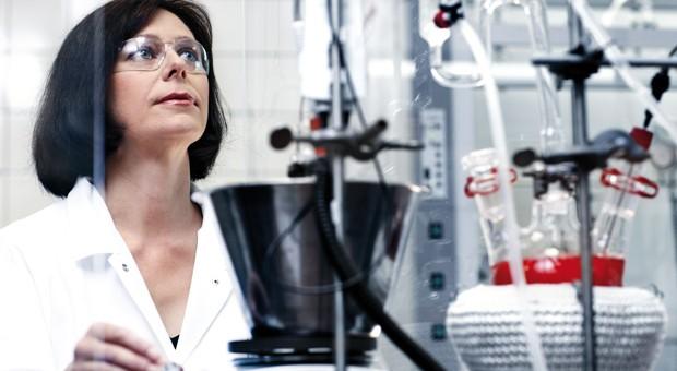 Das Geschäft mit Düften - hier ein Einblick in die Forschungsabteilung des Herstellers Symrise - boomt.