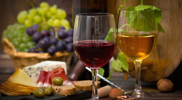 Weiß- oder Rotwein - oder lieber Wasser im Sommer?