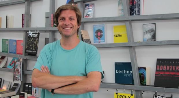Der Katalane David Armengou hat im Wedding den Buchladen Echo für zeitgenössische und elektronische Musik eröffnet.