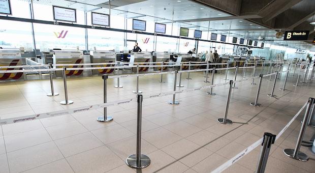 Das Germanwings-Terminal am Flughafen Koeln/Bonn am Streiktag.