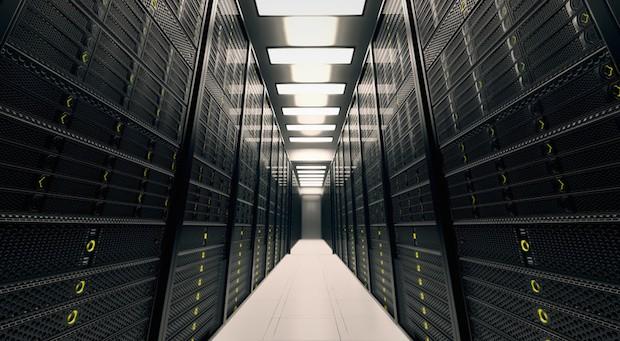 Ein Serverraum eines großen Unternehmens: Die Dunkelziffer bei Cyberkriminalität ist groß.