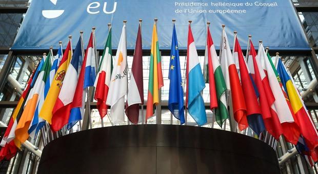 Flaggen der EU-Länder in Brüssel.