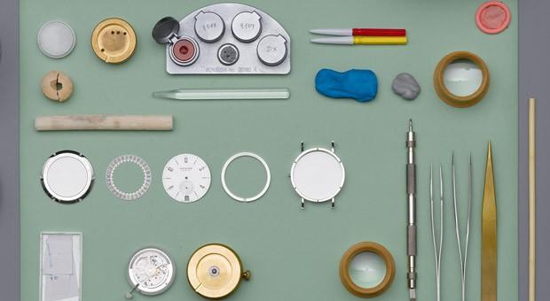 Ein Uhrmachertisch bei Nomos Glashütte.