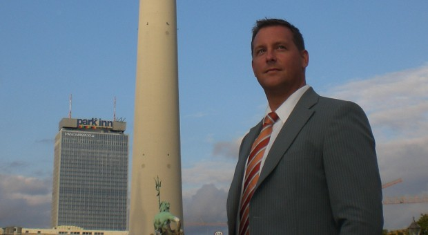 Stefan Eiben, Inhaber des Unternehmens Alibis Profi, liefert seinen Auftraggebern wasserdichte Alibis.