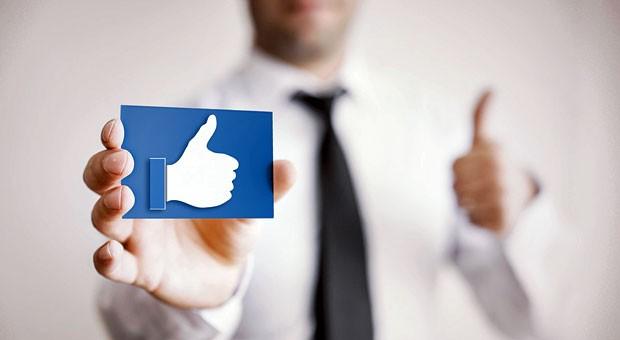 Daumen hoch! Social Media hat einen klaren Nutzen für Unternehmen.