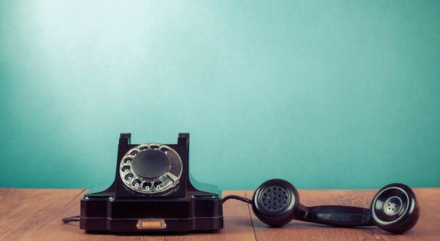 Schweigen in der Leitung: 60 Prozent der Befragten haben sich in den letzten 12 Monaten nicht von ihrer Hausbank beraten lassen.