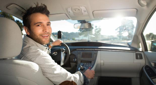 Das kalifornische Unternehmen Uber darf seit Dienstag wieder Fahrten in Deutschland vermitteln.