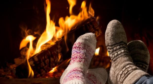 Zum Beginn der kalten Jahreszeit können sich Verbraucher in Deutschland über günstige Energiepreise freuen.