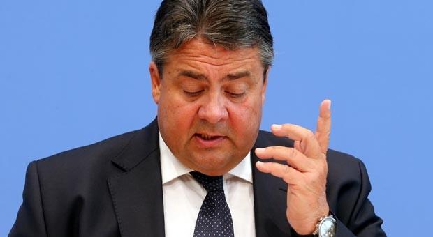 Bundeswirtschaftsminister Sigmar Gabriel (SPD)  korrigierte am Dienstag in Berlin die Konjunkturprognose der Bundesregierung nach unten.