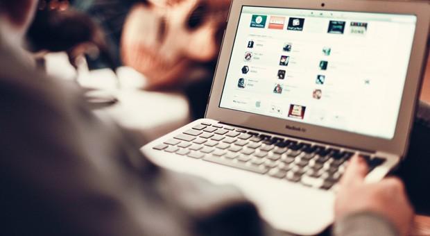 Die Bundesregierung will den Ausbau des schnellen Internets in Deutschland vorantreiben.