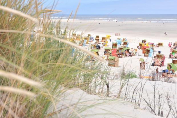 Strandkörbe auf Juist: Die Nordseeinsel bekommt ein Gästeparlament.