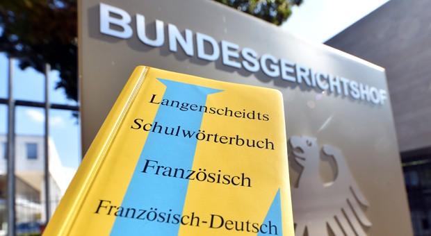 Streit um das Gelb der Langenscheidt-Wörterbücher vor dem BGH: Ein Konkurrent will die Löschung der Farbmarke erreichen.