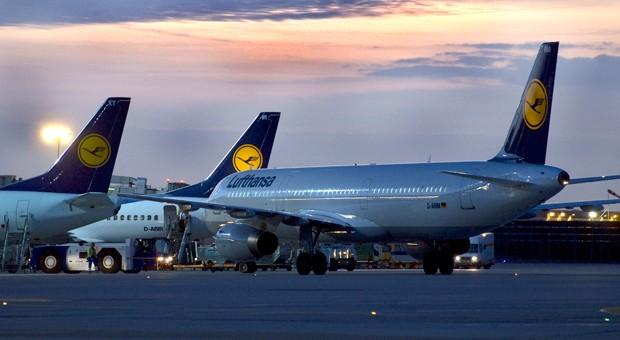 Lufthansa-Flugzeuge am Frankfurter Flughafen: Dürfen Vielfliegermeilen verfallen?