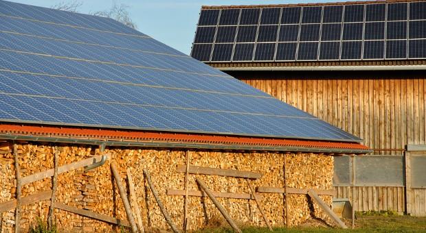 Viele Scheunendächer sind für Photovoltaik-Anlagen gut geeignet.