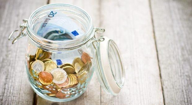 Auch bei Verwandtendarlehen gilt: Das Finanzamt will mitmischen.