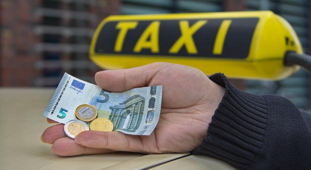 Der deutsche Gewerkschaftsbund (DGB) fordert schärfere Regeln zur Einhaltung des gesetzlichen Mindestlohnes.