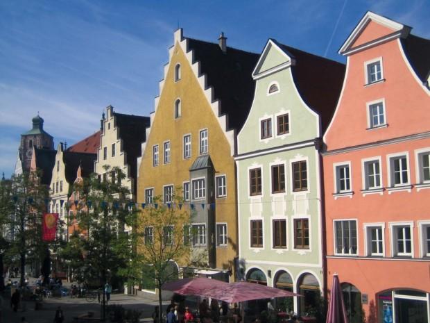 Auch keine Städte wie Ingolstadt sind von stark steigenden Preisen für Eigentumswohnungen und Häuser betroffen.