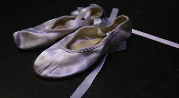 Ballerinas einer Tänzers