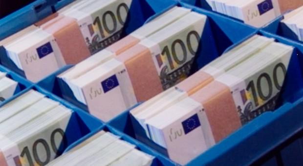 Das Dauertief an der Zinsfront nagt an den Ersparnissen.