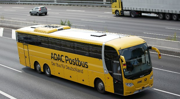Nur ein Jahr nach dem Start zieht sich der ADAC aus dem umkämpften Markt für Fernbusse zurück und beendet seine Beteiligung am ADAC Postbus.