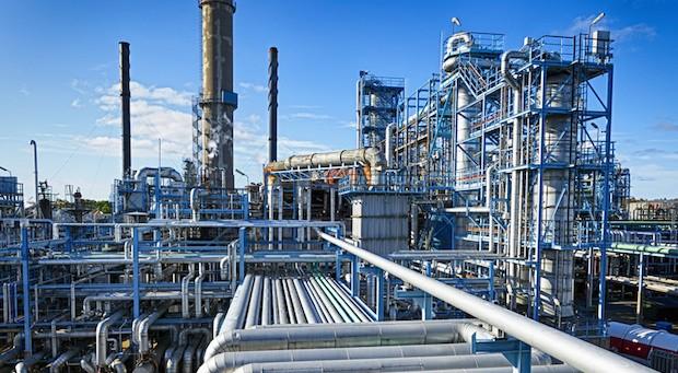 Günstige Ölpreise trieben die Inflation in Deutschland nach unten (im Bild: eine Ölraffinerie)