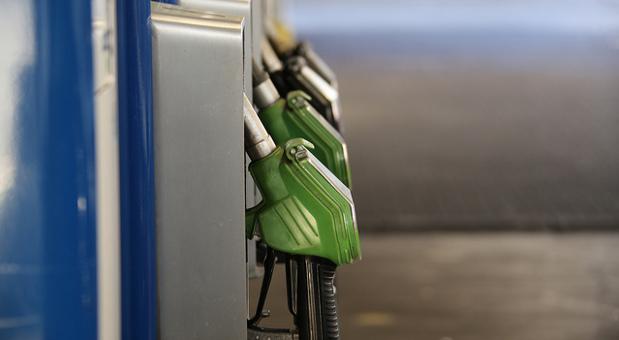 Tankgutscheine und andere Begünstigungen könnten eingeschränkt werden.