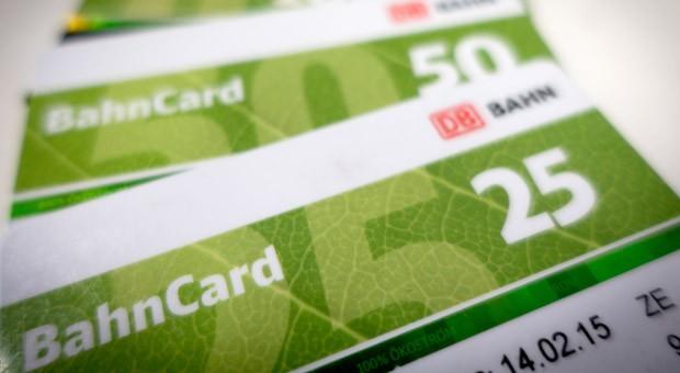 Die Deutsche Bahn hat einen Bericht dementiert, wonach sie die Abschaffung der BahnCard in ihrer bisherigen Form prüft.