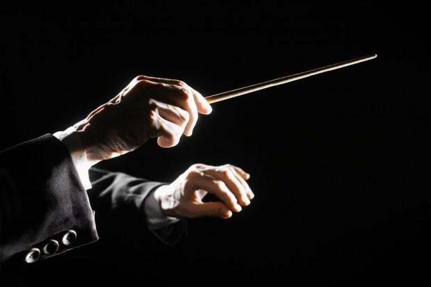 Klangensemble: Damit ein Orchester Höchstleistungen bringt, müssen auch die exzentrischsten Musiker sich dem Taktstock des Dirigenten unterwerfen. Unternehmerin Antje Hinz findet, dass man sich als Chef von den Konzertmeistern einige Tricks abschauen kann.