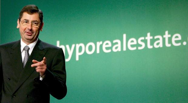 Der ehemalige Vorstandsvorsitzende der Hypo Real Estate, Georg Funke, hier ein Bild von der Hauptversammlung im Mai 2007. Für die Steuerzahler könnte das Debakel um die Immobilienbank noch teurer werden.
