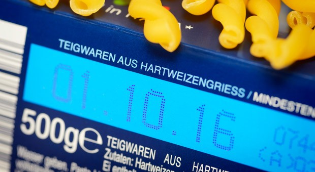 Am 13.Dezember greifen für solche Kennzeichnungen strengere EU-weite Vorschriften, zum Beispiel für die Schriftgröße des Mindeshaltbarkeitsdatums.