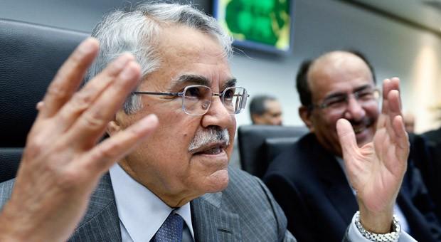 """Der Ölminister von Saudi-Arabien,  Ali Al Naimi, sprach sich auf dem letzten Opec-Treffen gegen eine Senkung der Fördermengen aus. Das Land sitzt auf großen Erdölreserven und einer gut gefüllten """"Kriegskasse"""" - und sorgt mit seiner Haltung für Streit mit anderen Förderländern."""