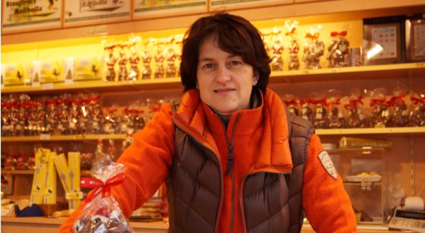 Flexibel: Im Sommer verkauft Esther Weeber-Kirschenlohr Eiscreme, im Winter Schokonikoläuse. Um die schwankende Nachfrage bedienen zu können, muss sie auf ganz besondere Mitarbeiter zurückgreifen: die Familie.