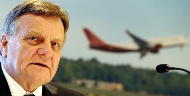 Hartmut Mehdorn, Vorsitzender der Geschäftsführung der Flughafen Berlin-Brandenburg GmbH, wird 2015 zurücktreten.