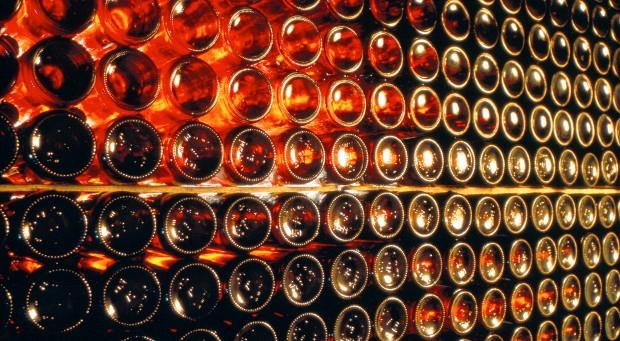 Bei alten Schätzen im Weinkeller ist Vorsicht geboten.
